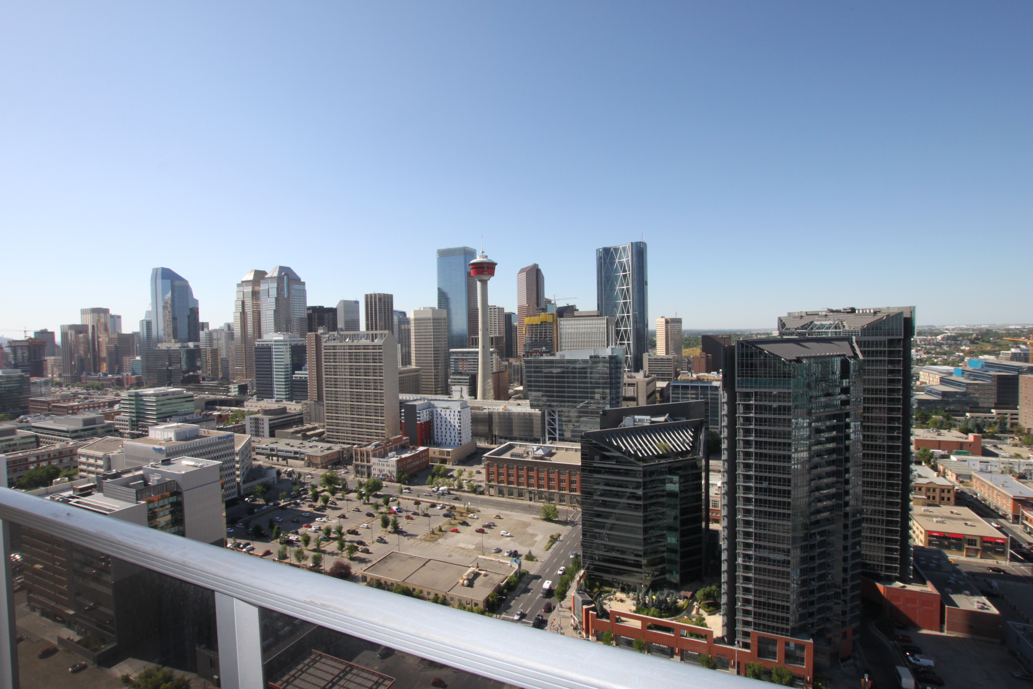 Real estate roundup: Calgary, AB housing market overview